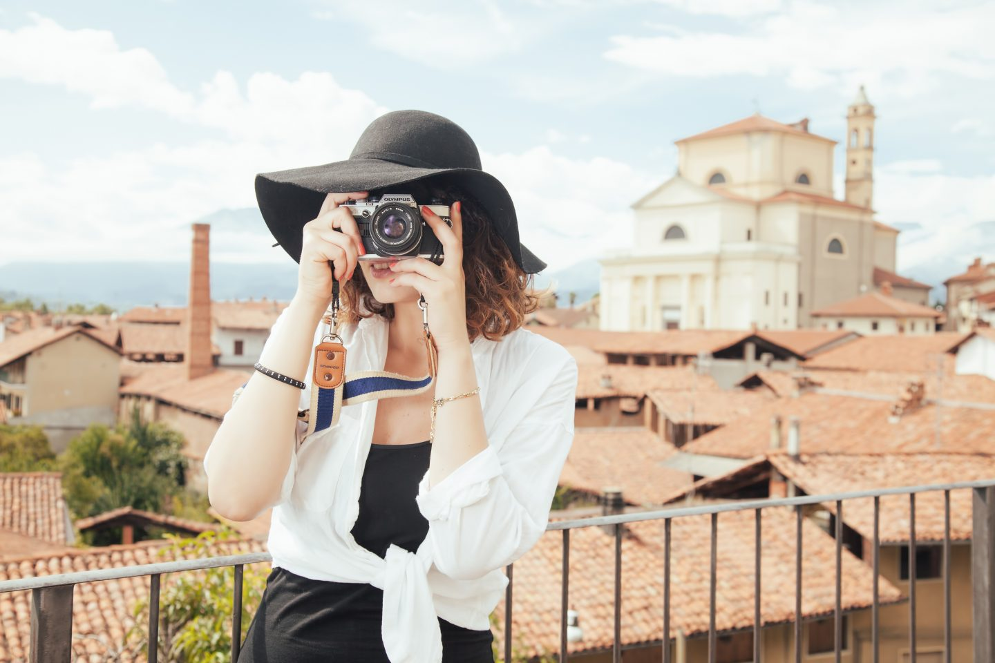 Cheap Date Ideas Explore Your City Girl Analog Camera