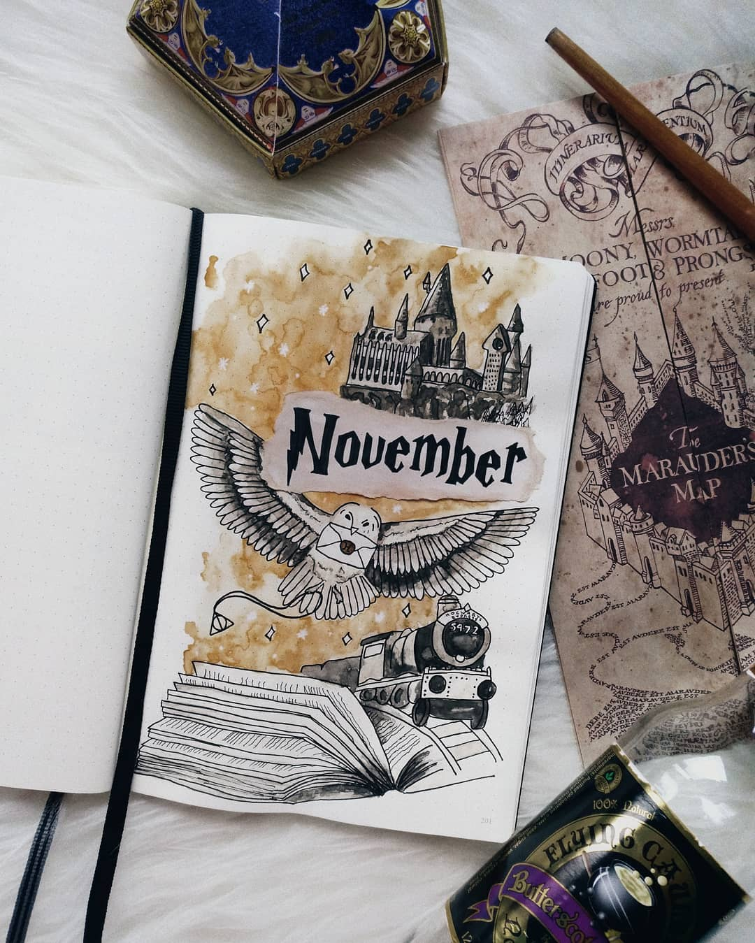 17 Harry Potter Bullet Journal Spreads That Are Magical. If you're looking for inspiration for your own Harry Potter Bujo theme, click here for great ideas for your Monthly, Weekly and Tracker Spreads. #bulletjournal #bujo