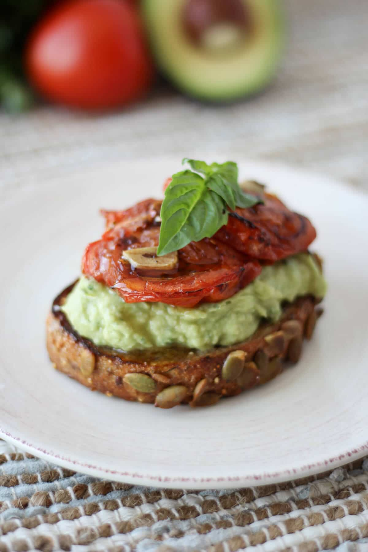 Avocado Toast with White Beans. A Great High Protein and Vegan Option For Breakfast. Takes only minutes to make for busy mornings and it's super easy. #vegan #protein
