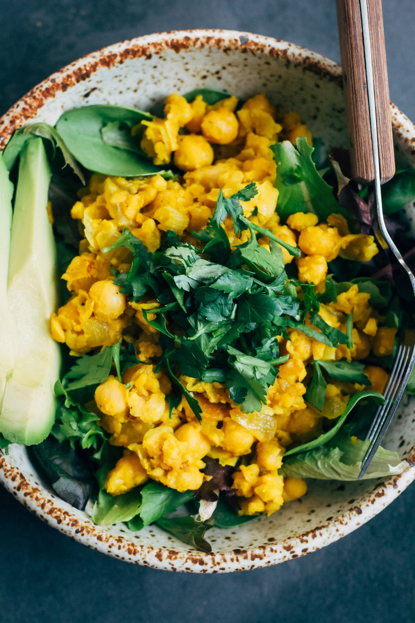 Chickpea Scramble Breakfast Bowl and 17 More Protein Packed Vegan Breakfast Ideas that are perfect for busy mornings and on the go. It's easy to eat clean and achieve your weight loss and fitness goals with these delicious recipes for your busy morning. From smoothies, tofu scrambles to overnight oats, you're sure to find something you love. #vegan #protein