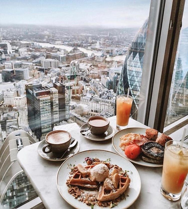 Duck & Waffle London. Best breakfast and Brunch Spots In London. The 10 cutest cafes london UK has to offer! These are the most instagrammable spots in London that you just can't miss! A guide to the best coffee shops in London, England. From pink pastry palaces to wisteria covered facades, these are gorgeous places. London travel tips; hidden gems in London Most Instagrammable spots London UK #london #londontravel #cafe