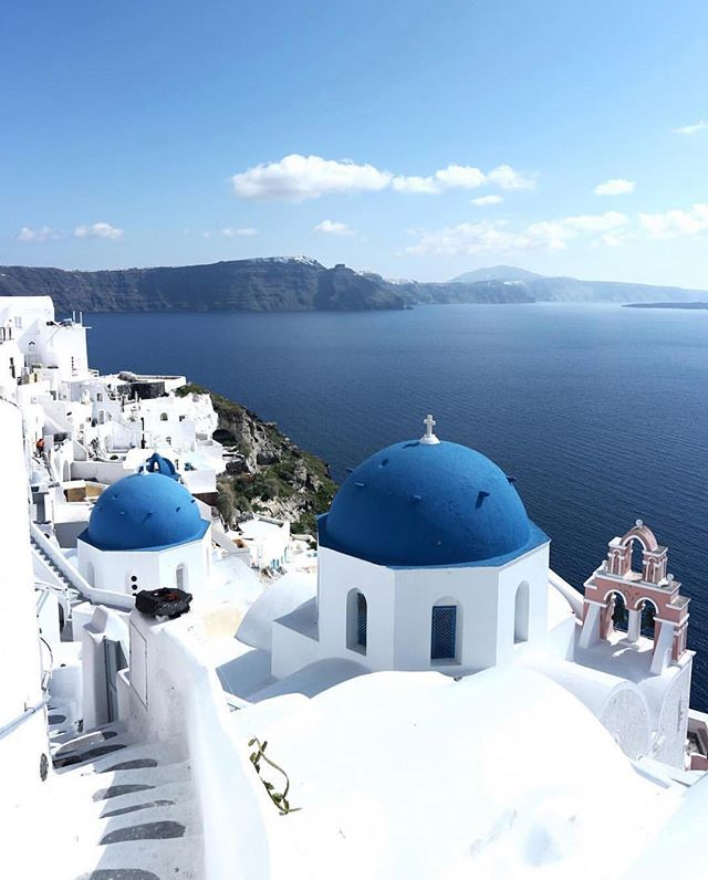 Want to go to Greece but don't know what Islands to visit?! Here are the 8 Best Greek Islands to go island hopping! From Santorini to Mykonos, these are best travel tips for honeymooners and couples alike! Greece Clearest Water! What is the pretties island in Greece? What is the best Greek Island to visit? Which Greek island Has the best Beaches?? Find out here!!!! #Greek #greekislands