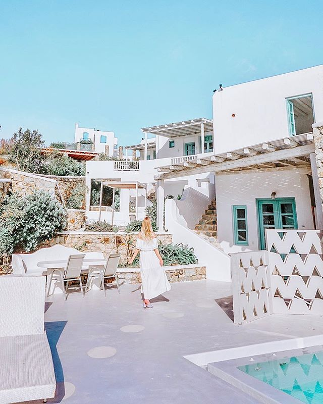 Want to go to Greece but don't know what Islands to visit?! Here are the 8 Best Greek Islands to go island hopping! From Santorini to Mykonos, these are best travel tips for honeymooners and couples alike! What is the pretties island in Greece? What is the best Greek Island to visit? Which Greek island Has the best Beaches?? Find out here!!!! #Greek #greekislands