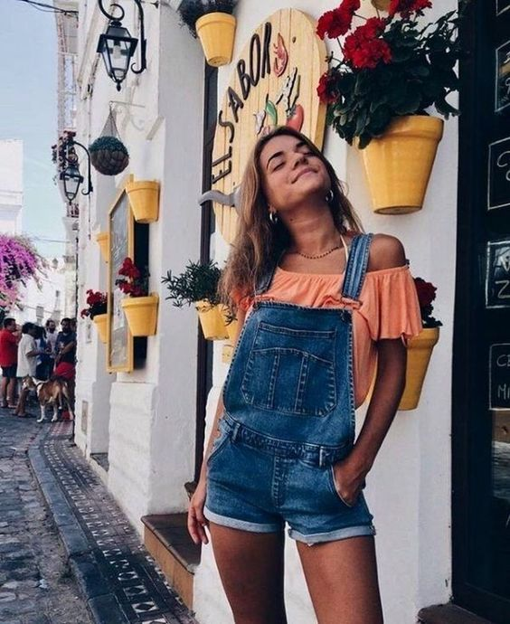 6 Spring Outfit Ideas You'll Just love! Spring Outfits 2019. Perfect spring outfits for the weekend, the park, or brunch! Spring outfit of the day. Casual spring outfits. Cute and dressy. #springoutfits #ootd #fashion