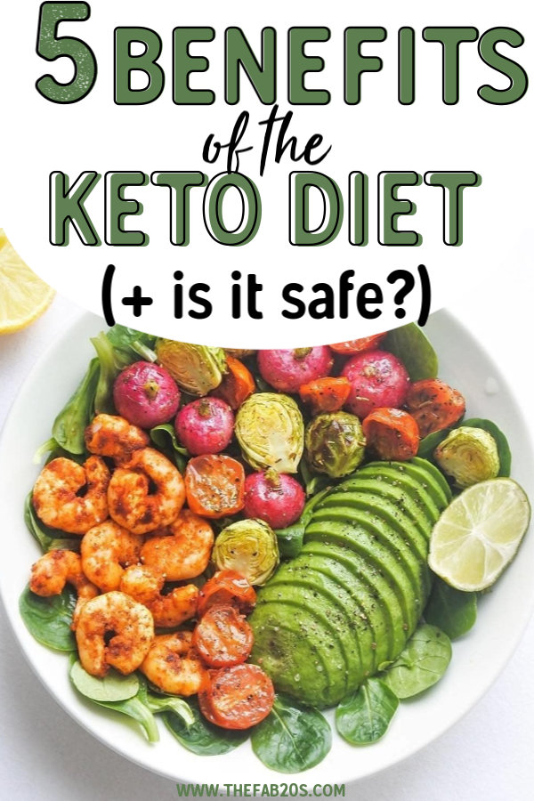 What is the Keto Diet? Is it safe? Find all the risks and benefits of the ketogenic diet as well as what exactly terms like ketoses and ketones mean. The keto diet for beginners can be overwhelming but it doesn't have to be! The keto diet might be great for you if you're on a weight loss journey #keto #ketodiet #ketogenic #nutrition #weightloss