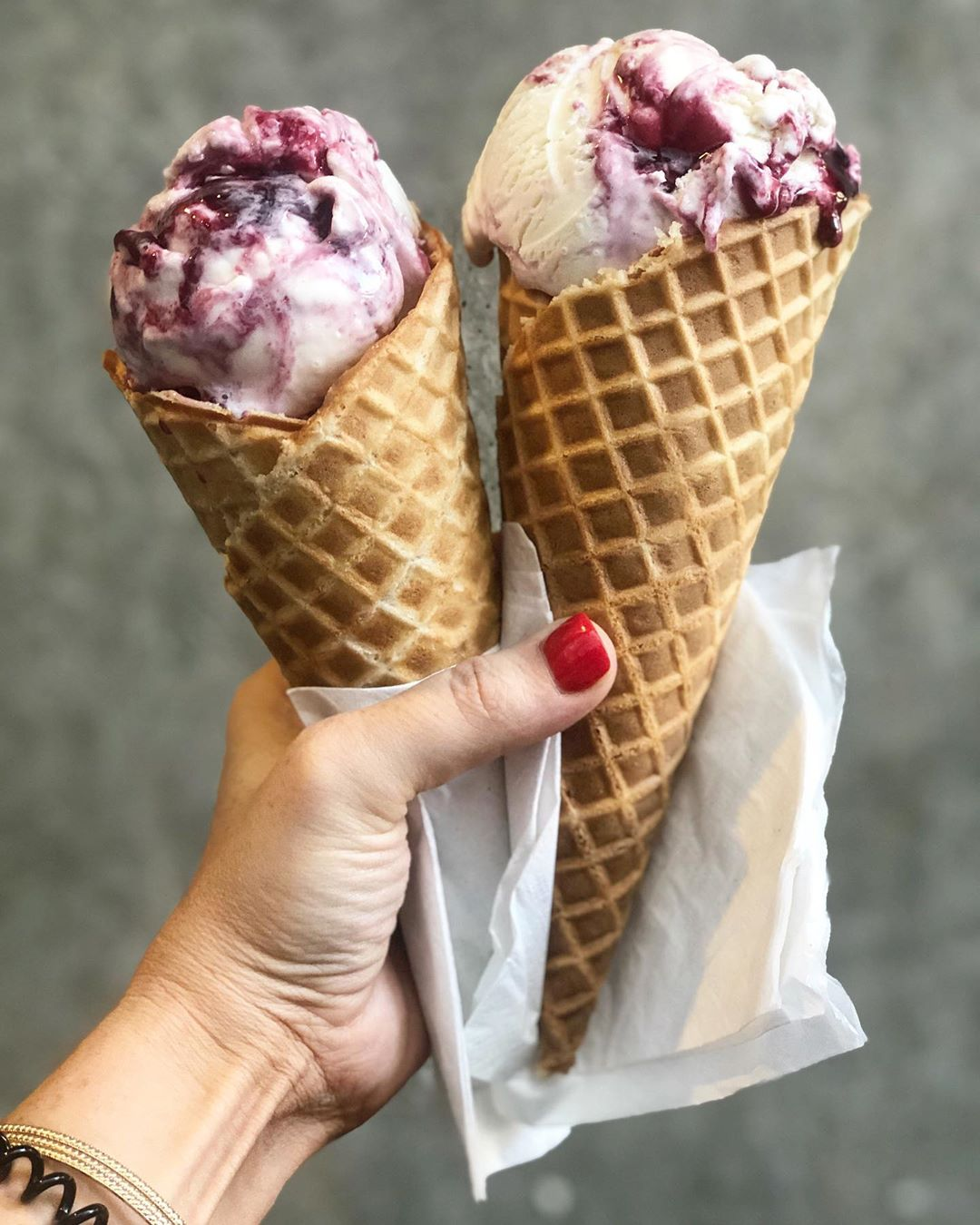Salt & Straw is an AMAZING ice cream parlor in Portland you just HAVE to visit #foodietravel #travel #portland