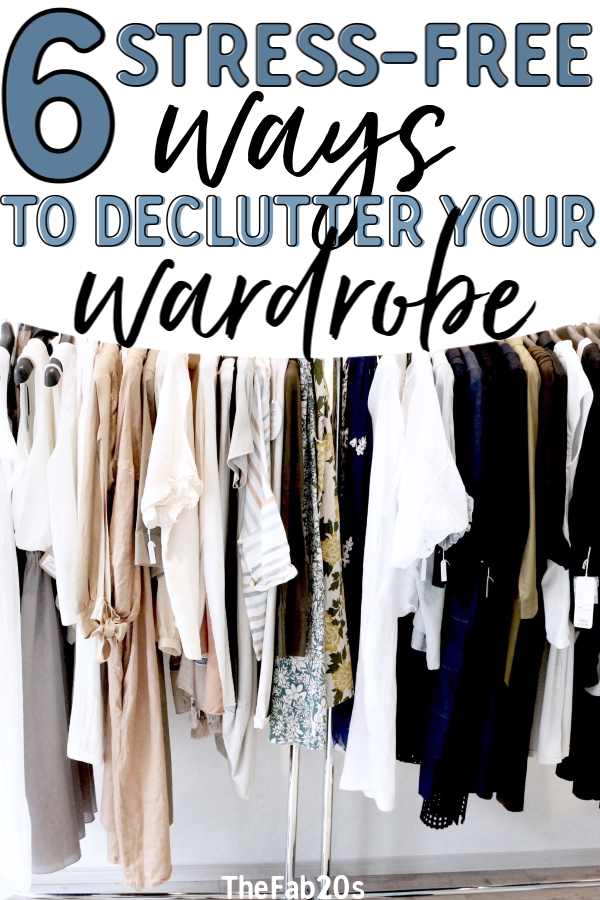 Opening up your space in your closet and cluttering your wardrobe has many mental and health benefits! A messy wardrobe can be overwhelming and it doesn't have to be! You don't have to become a minimalist or get rid of all your clothes, but getting your closet in order is a great way to combat clutter! #decliuttering #organization