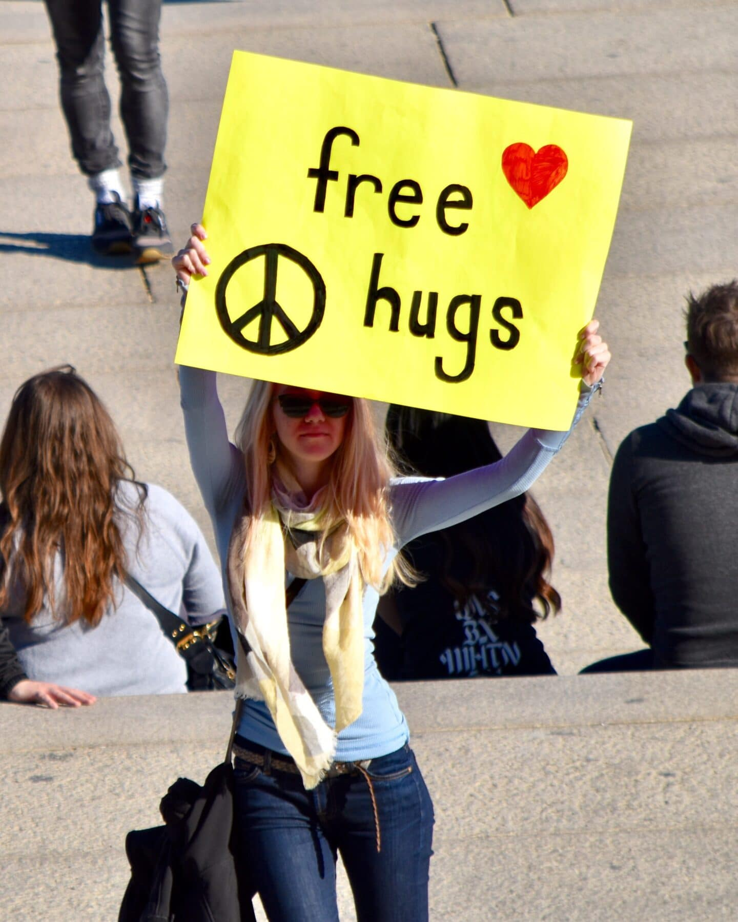 Give strangers free hugs with this fun bucket list idea!