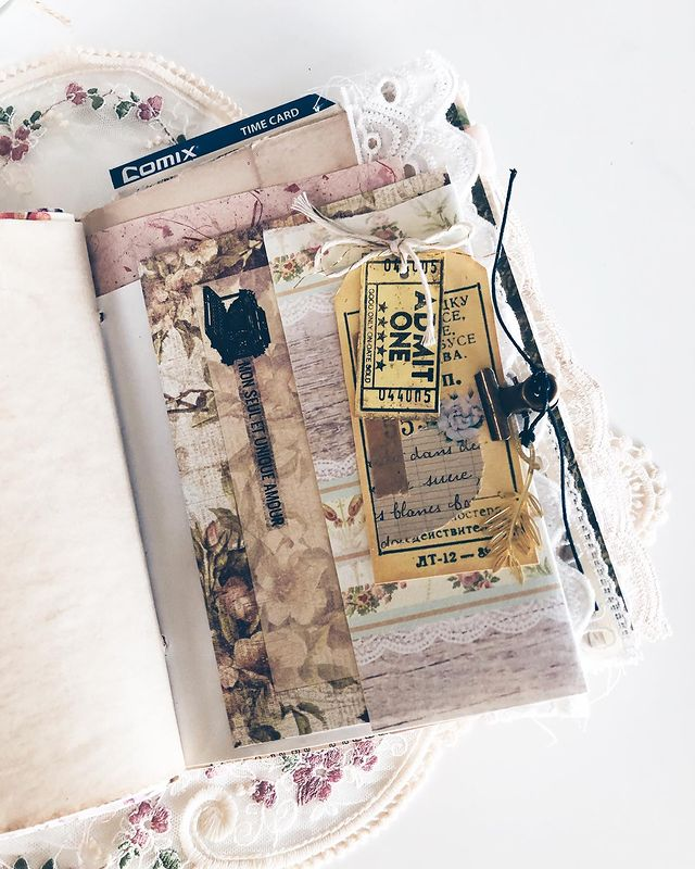 Gorgeous Junk Journal to store all your memorabilia in your planner.