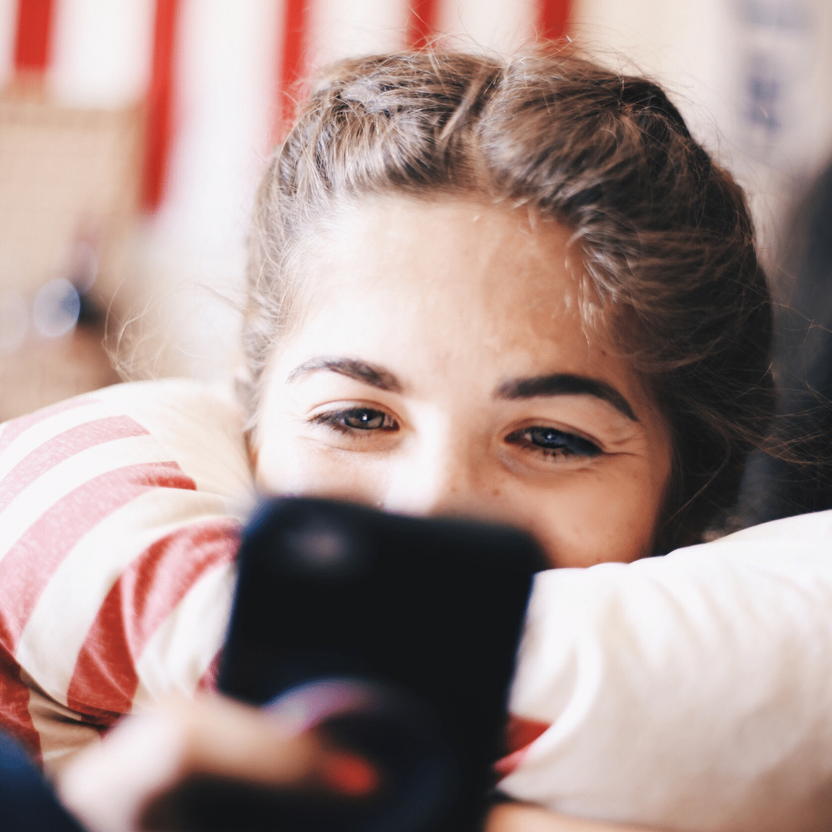How Often Should A Guy Text You In The Beginning?