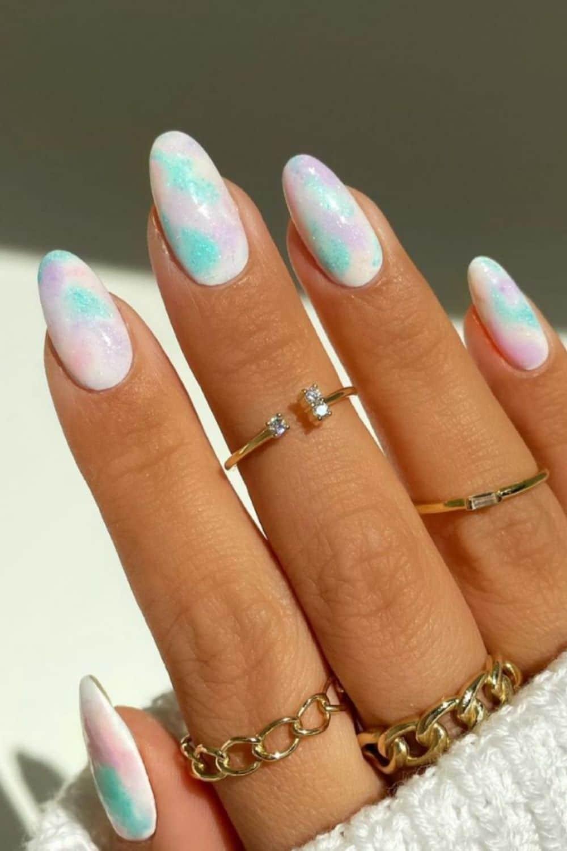 https://annfashionlife.com/cute-short-almond-nail-design-for-sweet-girl-2021/
